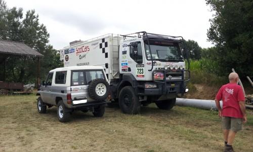 le camion d'assistance du Dakar sera posté à Orthez , Loubieng et Lanneplaa