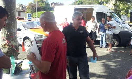 Eric pour son premier rallye en copilote de Lionel va pointer au CH