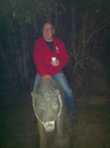patrice est parti sur son lion à la chasse aux crocodiles !